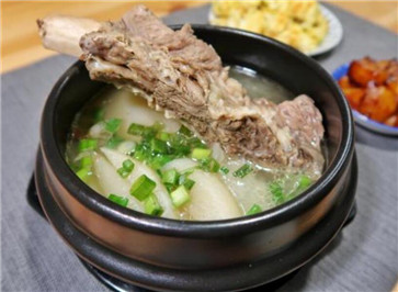 牛筒骨高汤的做法
